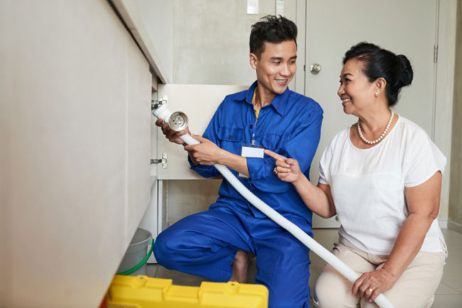 Engaging Plumber Singapore Services For Leak Checks